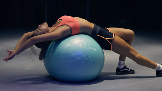 """โพสต์รูปภาพ ออกกำลังกายที่บ้านในยุคนิวนอร์มอล ยิมบอล Gym Ball  - ออกกำลังกายที่บ้านในยุค""""นิวนอร์มอล"""""""
